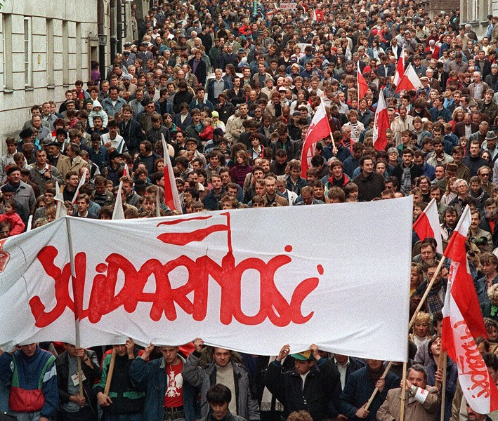 An overview of the solidarity movement in poland
